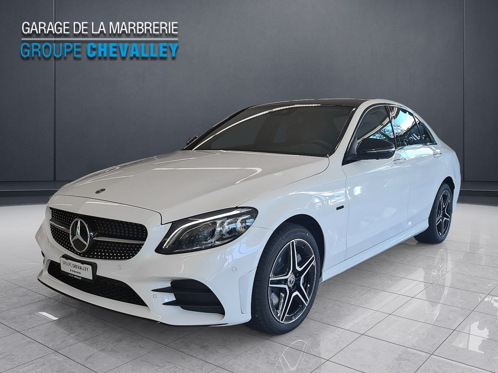 MERCEDES-BENZ C 300 e AMG Line 4Matic 9G-Tronic