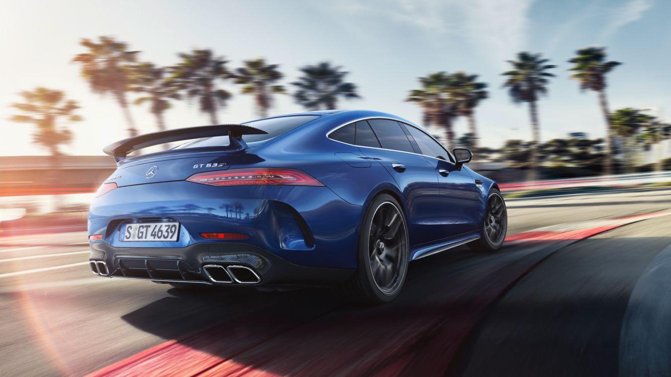 Life is race. Mercedes-AMG GT Coupé 4 portes